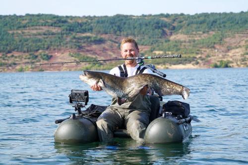 Carsten Zeck: Funfaktor hoch 10Welsangeln mit dem Belly Boat